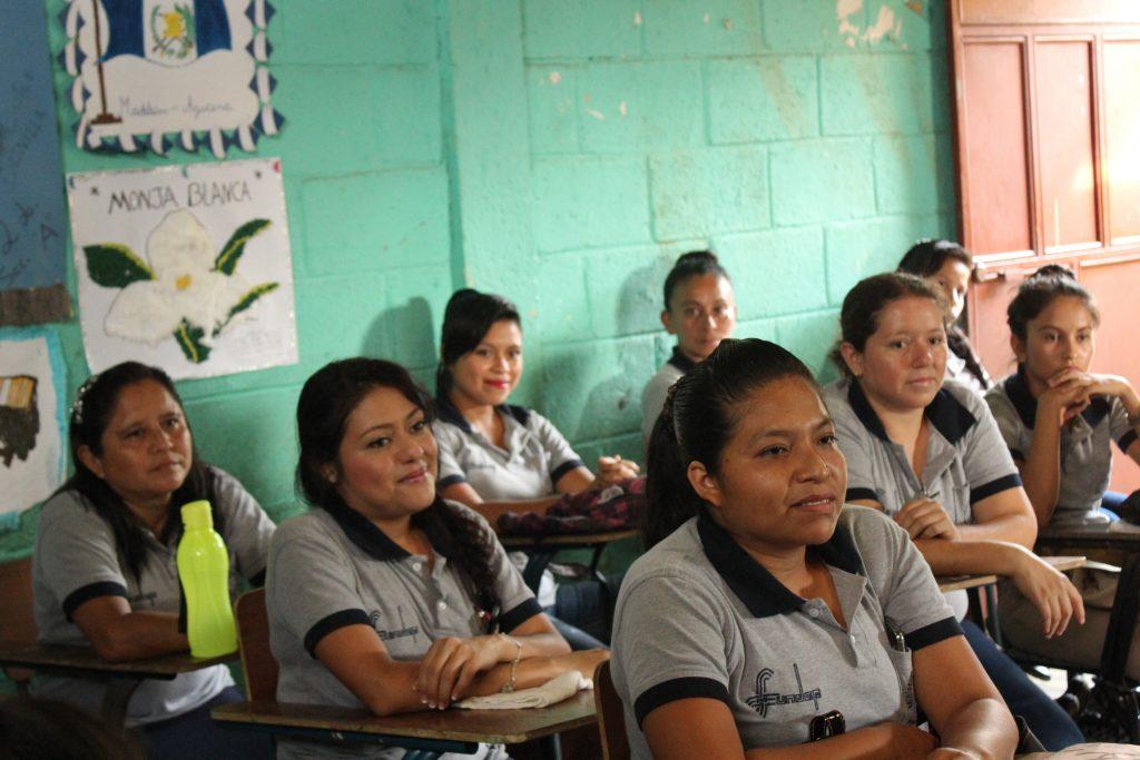Formación de persoal sanitario en Guatemala // Fundación Fabre